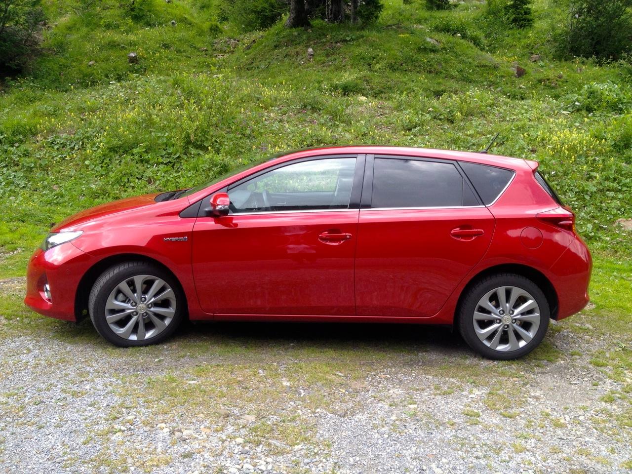 Toyota Auris Hybrid - Korays Car Blog